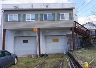 Foreclosed Home in Morgantown 26501 LINDEN ST - Property ID: 4473423646