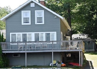 Foreclosed Home in Standish 04084 WHITES POINT RD - Property ID: 4473425841