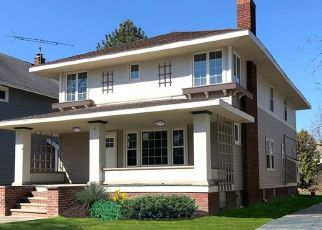 Foreclosed Home in Lakewood 44107 BELLE AVE - Property ID: 4473451676