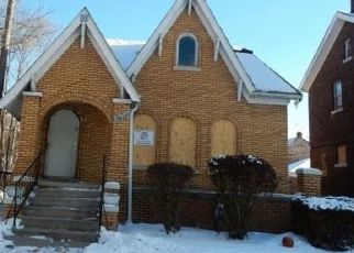 Foreclosed Home in Detroit 48213 LAKEVIEW ST - Property ID: 4474096363