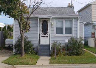 Foreclosed Home in Lindenhurst 11757 OCEAN ST - Property ID: 4474426608
