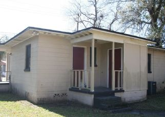 Foreclosed Home in Jacksonville 32209 BRASQUE DR - Property ID: 4474501946