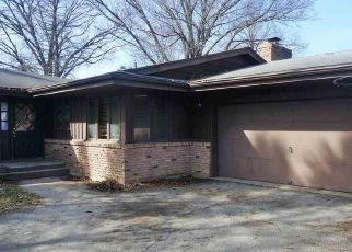 Foreclosed Home in Rockford 61107 MAYFAIR PL - Property ID: 4474578129