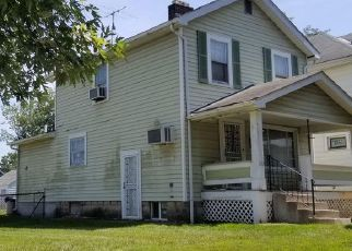Foreclosed Home in Columbus 43204 S WAYNE AVE - Property ID: 4474692450