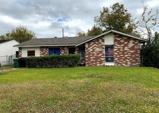 Foreclosed Home in Houston 77047 SEGREST DR - Property ID: 4474813327