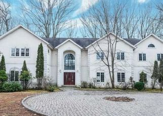 Foreclosed Home in Saddle River 07458 DOGWOOD HILL RD - Property ID: 4475011738