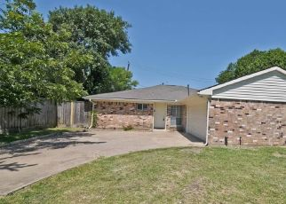Foreclosed Home in Houston 77072 BELLE GLEN DR - Property ID: 4475037128