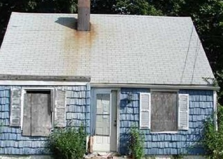 Foreclosed Home in Central Islip 11722 E HALLEY LN - Property ID: 4475123866
