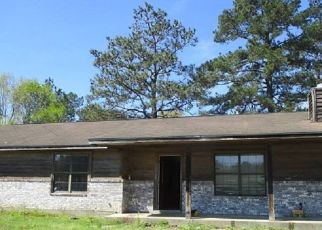 Foreclosed Home in Silsbee 77656 HITCHCOCK DR - Property ID: 4475242545