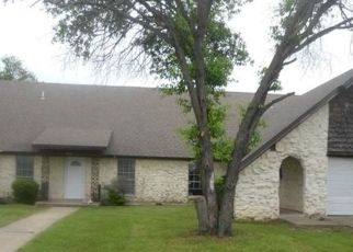 Foreclosed Home in Fort Worth 76133 WALRAVEN CIR - Property ID: 4475280205