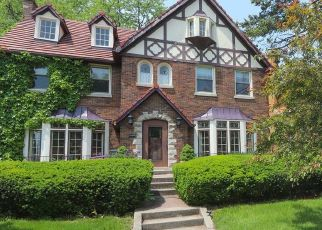 Foreclosed Home in Oak Park 60302 N OAK PARK AVE - Property ID: 4475474675