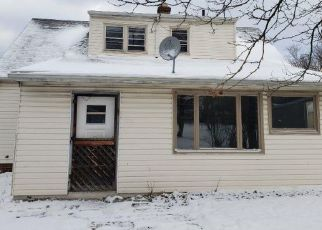 Foreclosed Home in Maple Heights 44137 APPLEGATE RD - Property ID: 4475487817