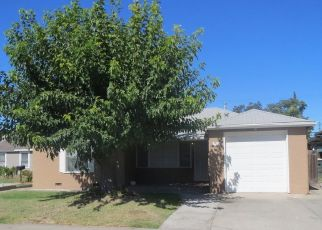 Foreclosed Home in Manteca 95337 NEVADA ST - Property ID: 4475555703