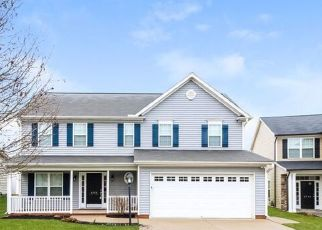 Foreclosed Home in Clemmons 27012 MISTY MEADOWS CT - Property ID: 4475658173