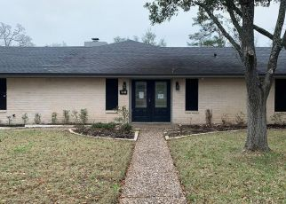 Foreclosed Home in Bryan 77802 BROADMOOR DR - Property ID: 4475888561