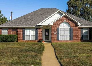 Foreclosed Home in Longview 75605 ROUNCIVAL DR - Property ID: 4475893373