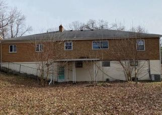 Foreclosed Home in Cincinnati 45211 ROSWELL AVE - Property ID: 4475930158