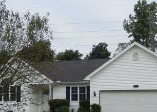 Foreclosed Home in Hamburg 14075 RUSHFORD DR - Property ID: 4476017768