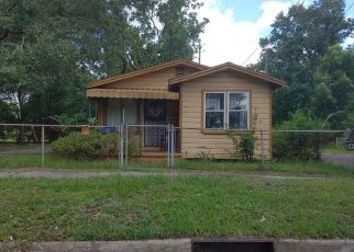 Foreclosed Home in Jacksonville 32209 W 1ST ST - Property ID: 4476152663