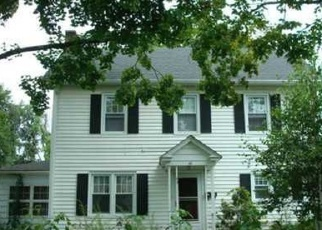Foreclosed Home in Middletown 10940 ROOSEVELT AVE - Property ID: 4476179819
