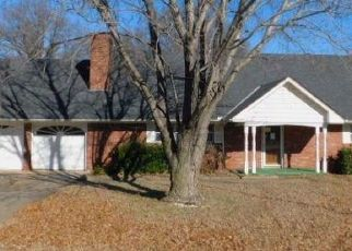 Foreclosed Home in Oklahoma City 73121 NE 31ST ST - Property ID: 4476252964