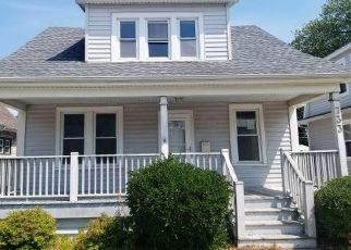 Foreclosed Home in Racine 53405 CLEVELAND AVE - Property ID: 4476273991