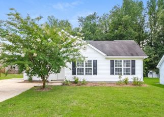 Foreclosed Home in Greensboro 27406 QUAIL COVE CT - Property ID: 4476356311