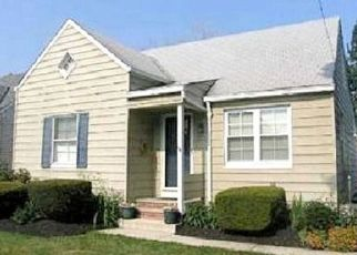 Foreclosed Home in Euclid 44132 E 250TH ST - Property ID: 4476857353