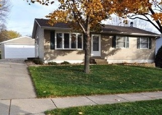 Foreclosed Home in Cedar Rapids 52405 WOODSIDE CT NW - Property ID: 4476920874