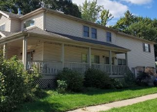 Foreclosed Home in Palatine 60067 W PALATINE RD - Property ID: 4476945387