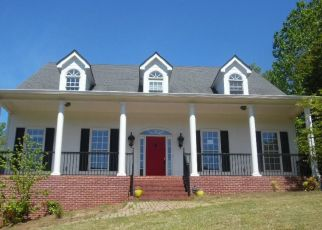 Foreclosed Home in Hoschton 30548 CHATEAU FOREST RD - Property ID: 4477022475