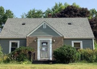Foreclosed Home in Rockford 61108 CALIFORNIA RD - Property ID: 4477210813