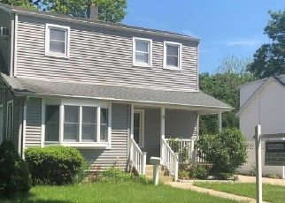 Foreclosed Home in Islip Terrace 11752 FAIRVIEW AVE - Property ID: 4477293132