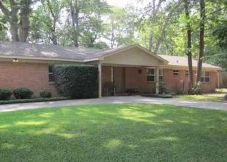 Foreclosed Home in Longview 75601 AUBURN DR - Property ID: 4477327295