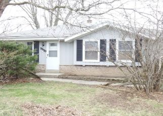 Foreclosed Home in Oak Creek 53154 S QUINCY AVE - Property ID: 4477436807