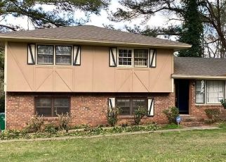 Foreclosed Home in Stone Mountain 30083 ROCK EAGLE DR - Property ID: 4477514761