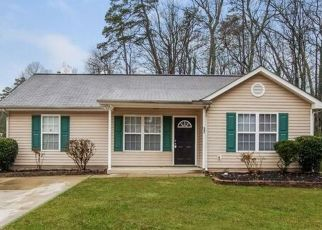 Foreclosed Home in Charlotte 28216 TOUCH ME NOT LN - Property ID: 4477521773