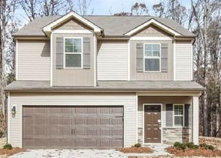 Foreclosed Home in Charlotte 28216 EAGLE CHASE DR - Property ID: 4477522195