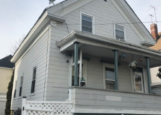Foreclosed Home in Lawrence 01841 LEXINGTON ST - Property ID: 4477841485