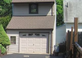 Foreclosed Home in Fairfield 06825 OLD STRATFIELD RD - Property ID: 4477850684