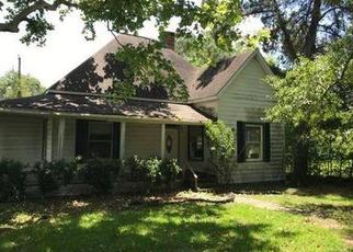 Foreclosed Home in Silsbee 77656 N 7TH ST - Property ID: 4478165140