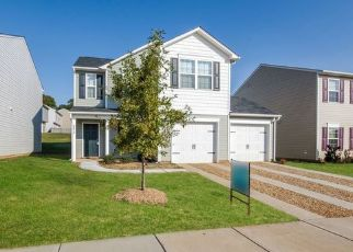 Foreclosed Home in Charlotte 28214 SHARPES CIR - Property ID: 4478216837