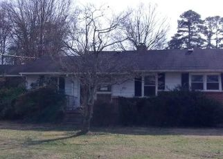 Foreclosed Home in Greensboro 27407 PINE KNOLL PL - Property ID: 4478220326