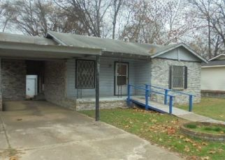 Foreclosed Home in Longview 75604 ZEOLA ST - Property ID: 4478444126