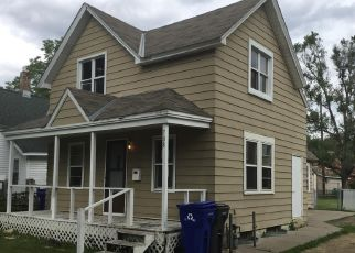 Foreclosed Home in Saint Paul 55102 VICTORIA ST S - Property ID: 4478707351