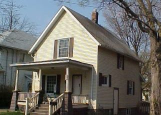 Foreclosed Home in Lansing 48915 CHICAGO AVE - Property ID: 4478709100