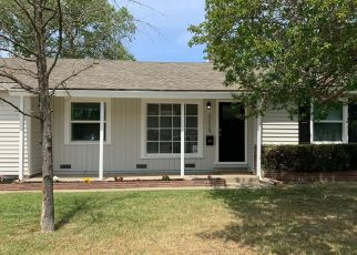 Foreclosed Home in Sacramento 95821 JULIESSE AVE - Property ID: 4478799780