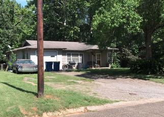 Foreclosed Home in Kilgore 75662 PARKVIEW ST - Property ID: 4478830876