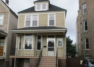 Foreclosed Home in Chicago 60617 S AVENUE H - Property ID: 4478840952