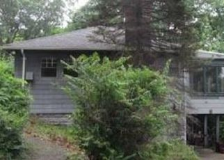 Foreclosed Home in Nyack 10960 LOWLAND DR - Property ID: 4478929408